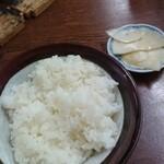 水田食堂 - ご飯(小)と漬物