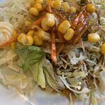 オムライス ひとみ - 「サラダ」接写。通常の「ミニサラダ」の場合は、基本 60g~80g 程度である。それを今回の「野菜サラダ」総重量(実測値)は 143g、、、これは侮ってはならない数字である。