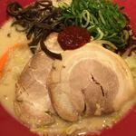 博多 一風堂 - 野菜赤丸 (*´ω`*)