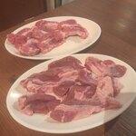羊の大群 - ラムチャック、ロースセット 990円×2セット