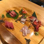 旬菜鮮魚と鍋 味十 - お刺身三種盛り