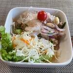 タイ料理ぺっぽい - ヤム・ウンセン・ムー・サップ(春雨と豚挽肉のサラダ) 暖かいサラダです。