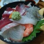 お料理やまもと - ランチの海鮮丼