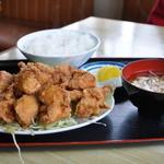 さくら食堂 - 唐揚げ定食・700円