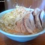 ラーメン二郎 - ぶた入り小ラーメン 「ヤサイカラメニンニク」(700円) 2012/03