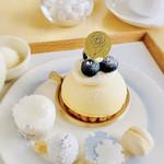 むすびcafé - 料理写真:12月27日までの平日限定・六花スイーツ お好みのケーキに洋梨アイスと小菓子付