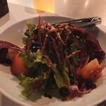 Ark Lounge - ③レタスとトマトのイタリアンサラダ