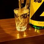 ビール長屋 貫太郎 - このように注いで頂きます(^^♪