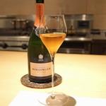 CHIUnE - Bollinger Champagne Rose Brut