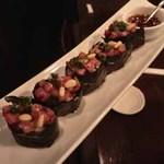 UKIN - 黒毛和牛ステーキ寿司タルタル仕立て:780円