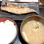 しんぱち食堂 - ゴマアジ定食