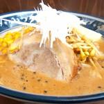 4代目松屋食堂 - 料理写真:みそらぁめん 850円 バタートッピング 110円
