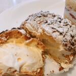 120833613 - シュークリームのシューとクリームが好き過ぎます!