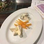アメ村ワイン食堂 VACA - チーズ盛り合わせ