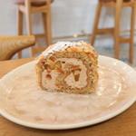 & cakes 8° - 料理写真:りんごと紅茶のロールケーキ