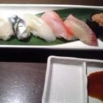 12085693 - お寿司お任せ7貫1,000円