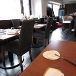 レクスキ フレンチetワイン - 内観:カウンター・テーブル席