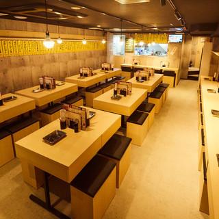 完全個室完備、貸切可、2階に喫煙専用室もご用意しております。