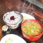 仁亭 - 大きなご飯