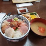 120869103 - 海鮮丼1350円(消費税込み)