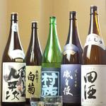 手打うどん 寿庵 - 人気日本酒勢ぞろい。