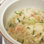 120888015 - ⑯真鱈白子湯葉蒸し蟹餡掛け                       サッと湯引きした白子に湯葉を合わせ、出汁が効いた蟹餡掛けが良く合っています。                       この日一番かも。
