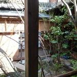 博多 弁天堂 - 中庭