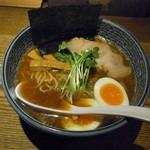 麺部しば盛 - 料理写真:魚薫ラーメン+玉子 900円