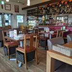 イル キャンティ カフェ 江の島 - [内観] 店内 テーブル席 ②