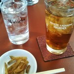 華南 - 料理写真:ウーロンハイとお通し