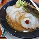 らーめん昭和屋 - 味噌チャーシューめん(こってり) にんにく・豆板醤追加