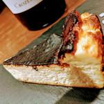 バスクバル・チャコリ - バスク風チーズケーキはワイン、シェリーとも相性抜群!