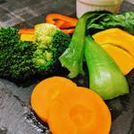 バスクバル・チャコリ - 彩り豊かなお野菜もヘルシーに♬