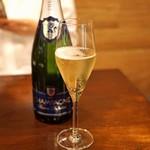 セルサルサーレ - Baron Deloches Champagne Brut Paul Dangin Celles Sur Ource