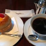 バー シーガーディアンⅢ - ケーキセット