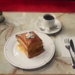 コロンビア喫茶一階 - パイセット