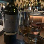 120935280 - スタッフさんと相談の結果、今日はこのジョージアワインに決定⭐︎ややクセ強めがイイ