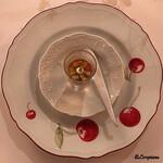 シェムラブルリス - 牛蒡のムース,トリュフ香るコンソメジュレ