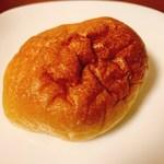 パン・アイス・惣菜 できたて館 - 餃子パン