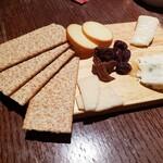 120948134 - チーズ4種盛り