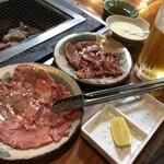 南道苑焼肉 - 料理写真:◆上タン ◆並カルビ ◆生ビール  ◇サービスのジャガイモスープ