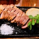 nikainowainsakaba - イベリコ豚ロース 厚切り鉄板グリル