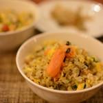 桂花苑 - 鮭 高菜と揚げニンニクのチャーハン