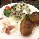 珈琲貴族エジンバラ - ロールパンセット