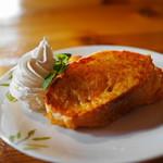 チーズ・シェッド - 乳清フレンチトースト