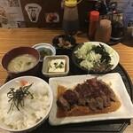 居食家 まるみ - ステーキ定食800円!