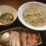 つけ麺 舞 - 鶏豚焼豚と味玉