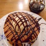 12099845 - カスタネットパンケーキ