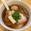 川の先の上 - 料理写真:らーめん正油(850円)+味玉(100円)
