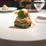 ラ・ヴァガボンド - Carre:香箱蟹の外子、からすみ、ニンジンパウダー、黒豆の赤酢和え、ブロッコリーピューレ